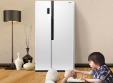 超薄纤细不足三千的它竟然是对开门冰箱