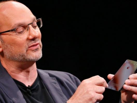 Andy Rubin单干卖手机 PK 苹果三星手机!