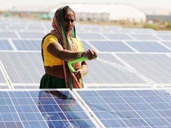 印度能源转型:太阳能补缺 煤炭或遭弃
