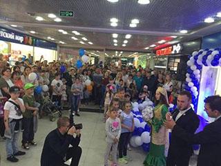 海尔在俄首家专卖店开业引发用户围堵体验