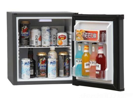 饮料随手拿 闷热夏日需要一个小冰柜