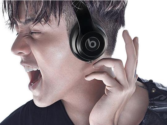 开黑也疯狂 头戴式耳机助你排位连胜