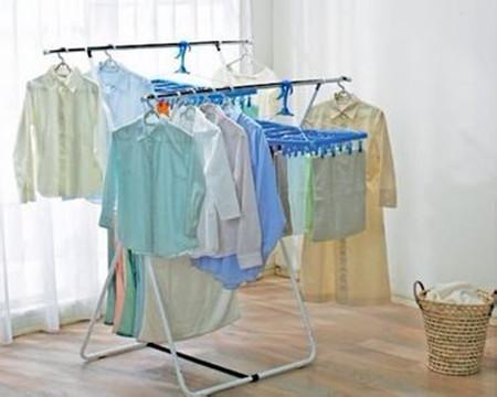 教你一秒钟拧干衣服 比洗衣机甩干还厉害