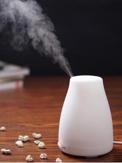 加湿器使用打造宜居环境,细心保养更洁净