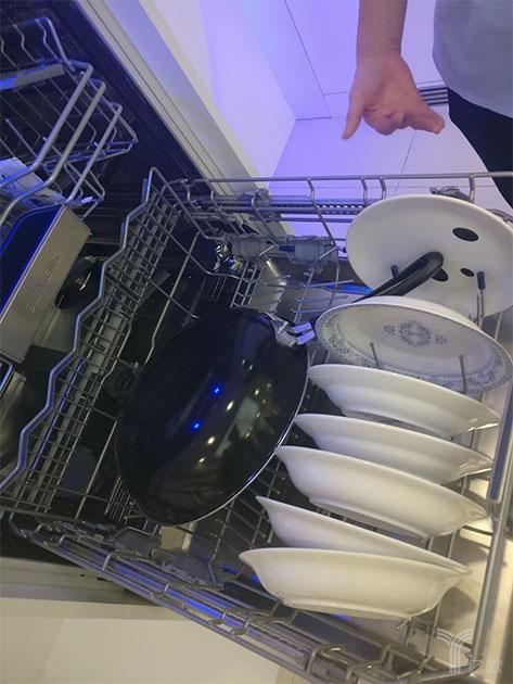 西门子大体量嵌入式洗碗机,下层可放锅