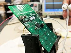 美大学开发成功无电池手机原型 8个月后发布
