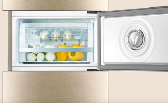 """""""年轻人的第一台冰箱""""的四个关键词"""