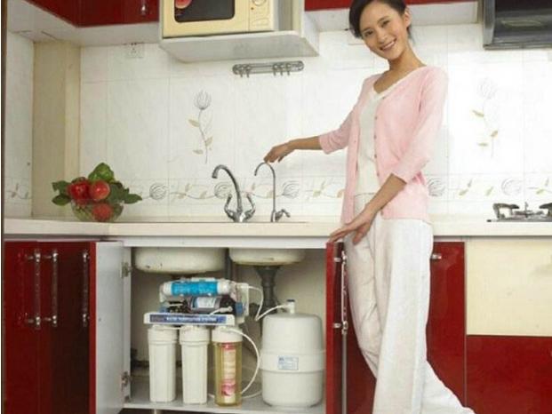 厨房净水机的两大选购误区 你知道吗