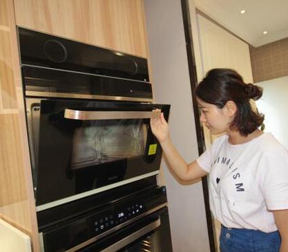 海尔首款蒸烤一体机,120℃高温蒸营养不流失