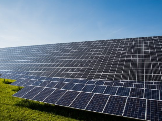 专家:2017年太阳能全球总设备容量将超越核能