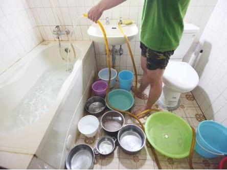 等热水浪费许多冷水,装个回水器热水一开就来
