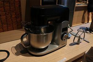 欧洲厨房用什么?GRUNDIG IFA展走质感路线