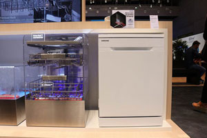 喷淋更出色 三星水墙技术洗碗机亮相IFA