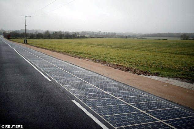 厉害了老哥!迪拜要修太阳能公路!