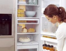 可乐加酒精清理冰箱封条