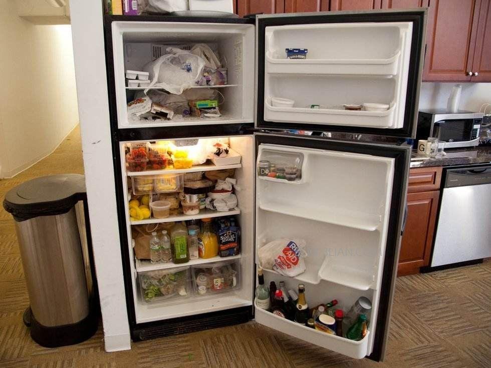 涨姿势!为什么冰箱制冷时两边会发热呢?
