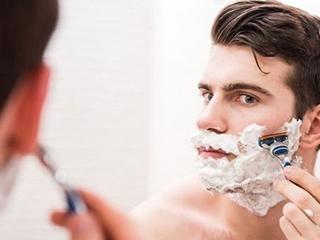 剃须刀用久了不锋利?教你一个方法!