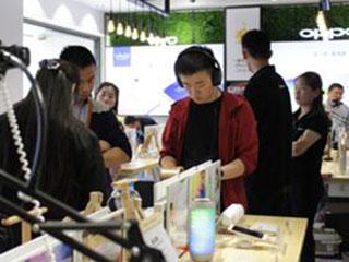 苏宁门店购手机可享无理由退货服务