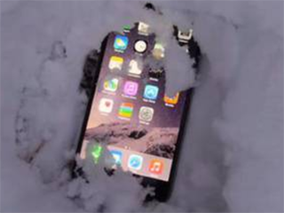 """手机为什么会怕冷? iPhone低温会""""跳电"""""""