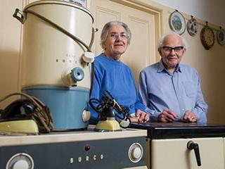 80岁夫妻出售50年代家电:质量太惊人