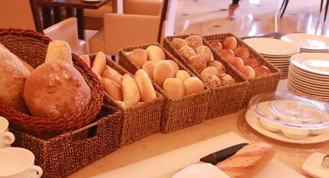 爱吃面包无法自拔,不如买台面包机自己弄
