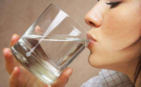 水质恶化不用愁 一台净水机解决健康烦恼