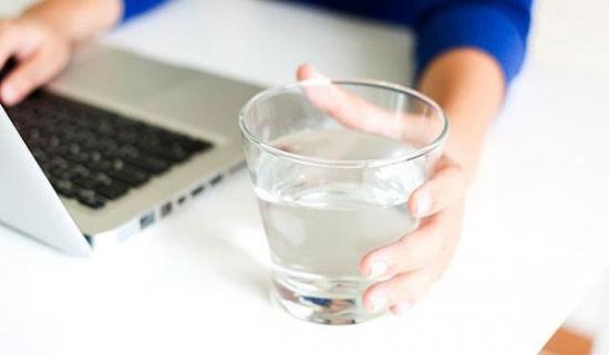 去除杂质改善口感 居家必备优质净水机