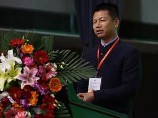 四季沐歌获2017中国太阳能热利用行业两项大奖