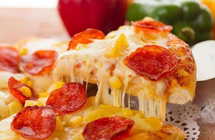 不用下馆子,美的煎烤机帮你在家里做出美味披萨