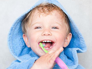 宝宝年龄小也要刷牙哦!宝宝牙刷选对了吗?