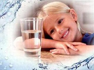 孩子急性肠胃炎竟因喝水?快选台净水器吧