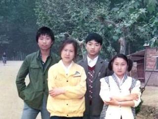 刘强东晒十八岁照片 网友回复奇葩了…