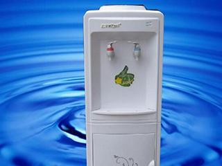 长期不清洗的饮水机到底有多脏,你知道吗