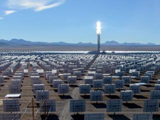 世上最大聚光太阳能坐落南澳洲,2030 年达成 100% 再生能源发电