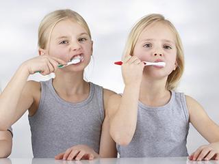 用了这么久,你想过电动牙刷的危害有多大吗