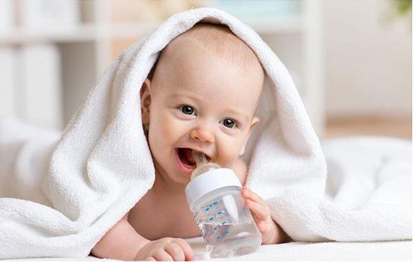 冲奶是先加水还是先加奶?60%新手爸妈易错