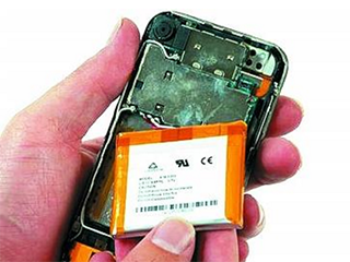 旧手机电池易生隐患 你家藏有多少旧手机