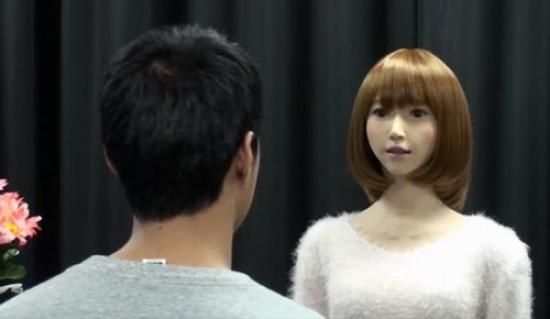 """被誉为""""最逼真""""的日本机器人""""埃丽卡""""。"""