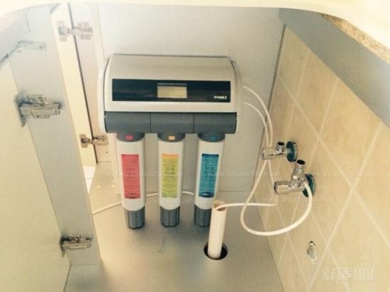水净化的原理是通过终端的水处理达到净化人体的效果