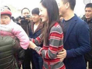 刘强东回老家拜年,砸500万给乡亲们