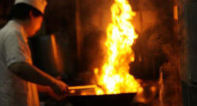 肺癌越来越偏爱女人 烹饪油烟不容忽视