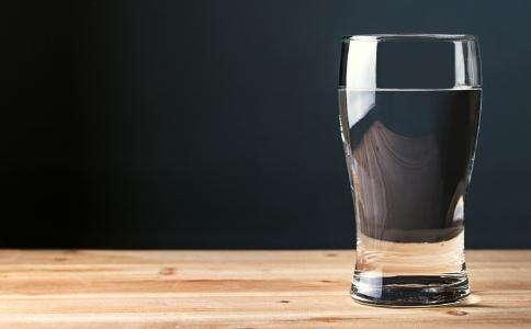 晨起后喝水助排毒 早晨饮水健康别喝这3杯水