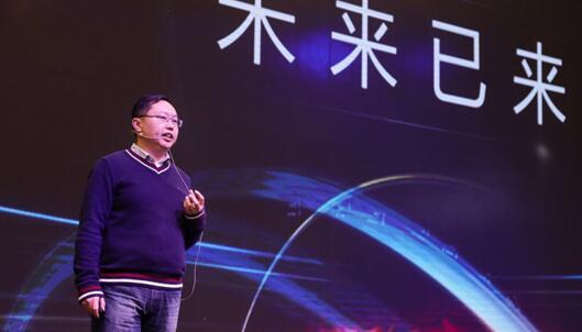 美的冰箱事业部美智科技负责人戴江先生介绍美的AI冰箱