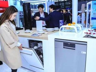 """西式洗碗机""""东进""""陷尺寸差异 海尔独家发布亚式直嵌式尺寸"""