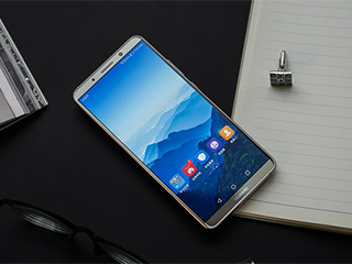 """全面屏时代,安卓手机的""""齐刘海""""比苹果的好看"""