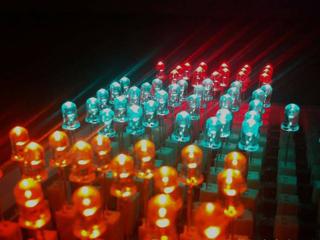 英国研制出光二极管 将对光子通信业影响重大
