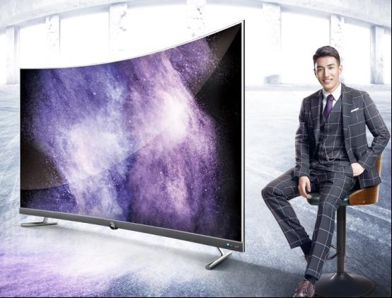 追赶潮流的典范之作 TCL超薄新曲面电视 P5