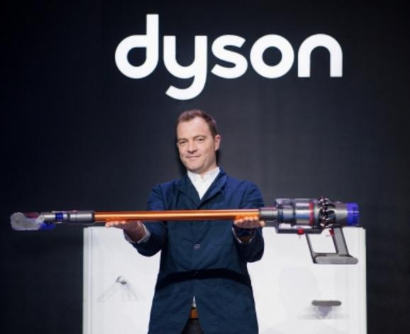 直线气流机身 戴森发布Cyclone V10无绳吸尘器