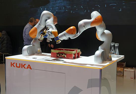 投建顺德机器人基地 美的扩大库卡国内业务渗透