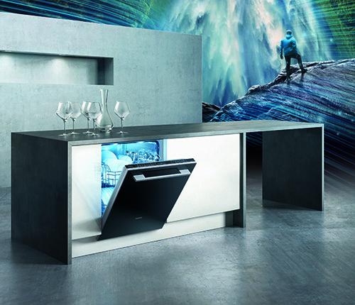 广告图电子版-KV玻璃门-01